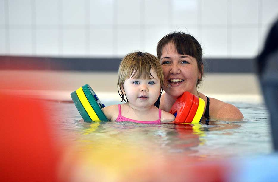 Everything you need to know about taking your baby swimming!